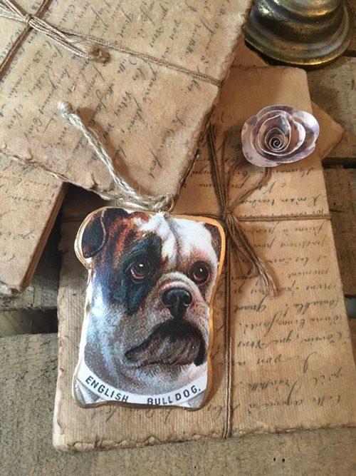 Chromo chien bulldog à suspendre