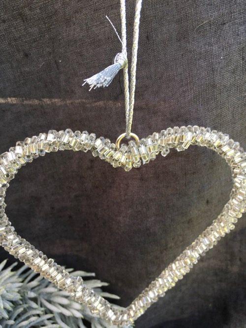 décoration de noel coeur à suspendre en perles 3