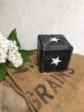 cube en bois noir etoile