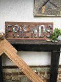 tableau lettres en fer friends