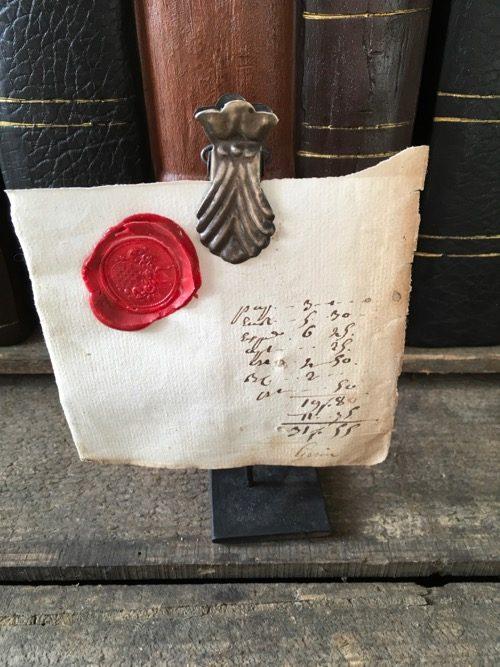 sceaux anciens sur socle M5