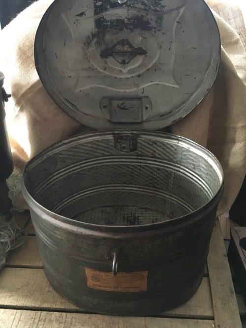 boite ovale essence ancienne métal 2