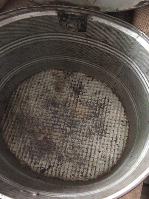 boite ovale essence ancienne métal 4